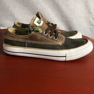 NEW Converse All Star Chuck Taylor Men's 8 Shoes Brown Leather Low Top Sneakers